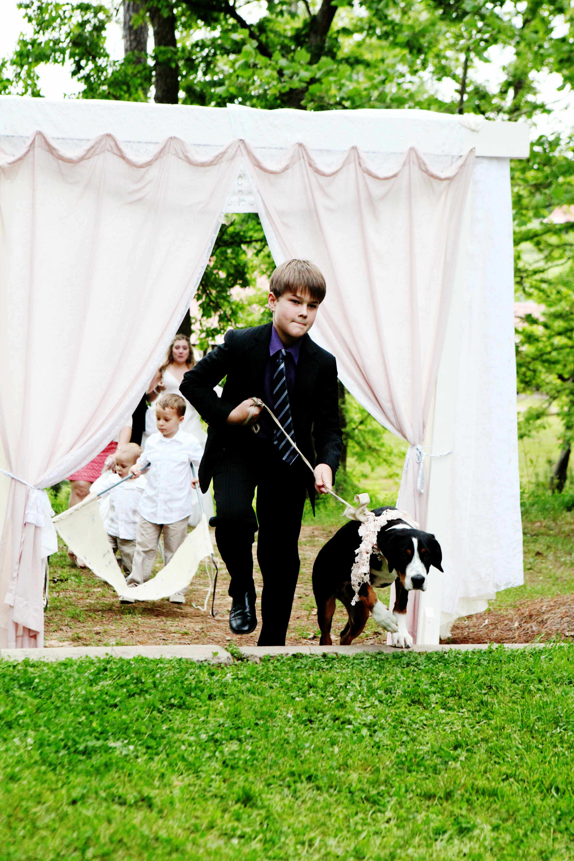 We know it meant a lot to Callie & Billy to have their dog, Molly, involved in such a special day.