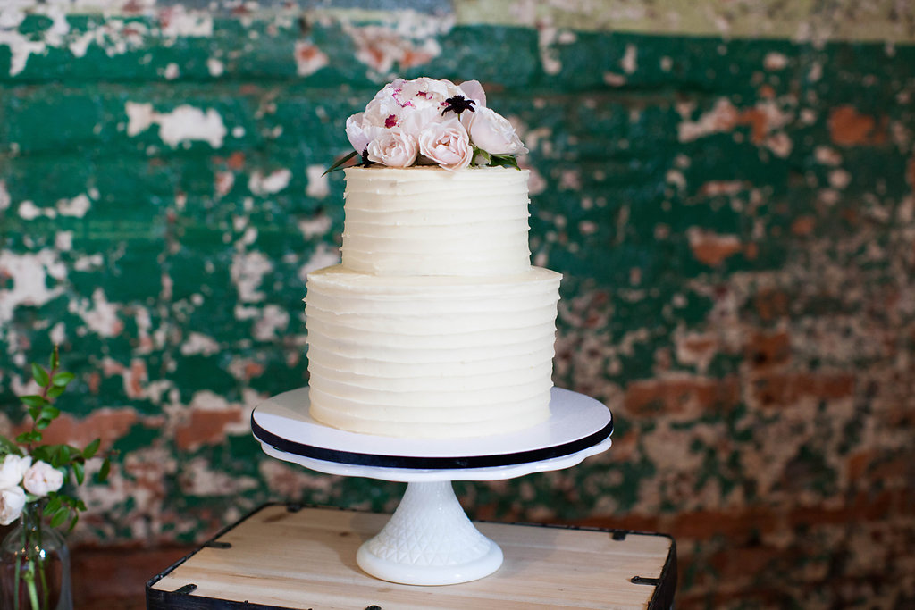 Southern Vintage Rental Cake Stand