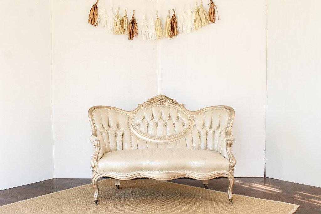 gold+cameo+settee++southern+vintage+rental.jpg