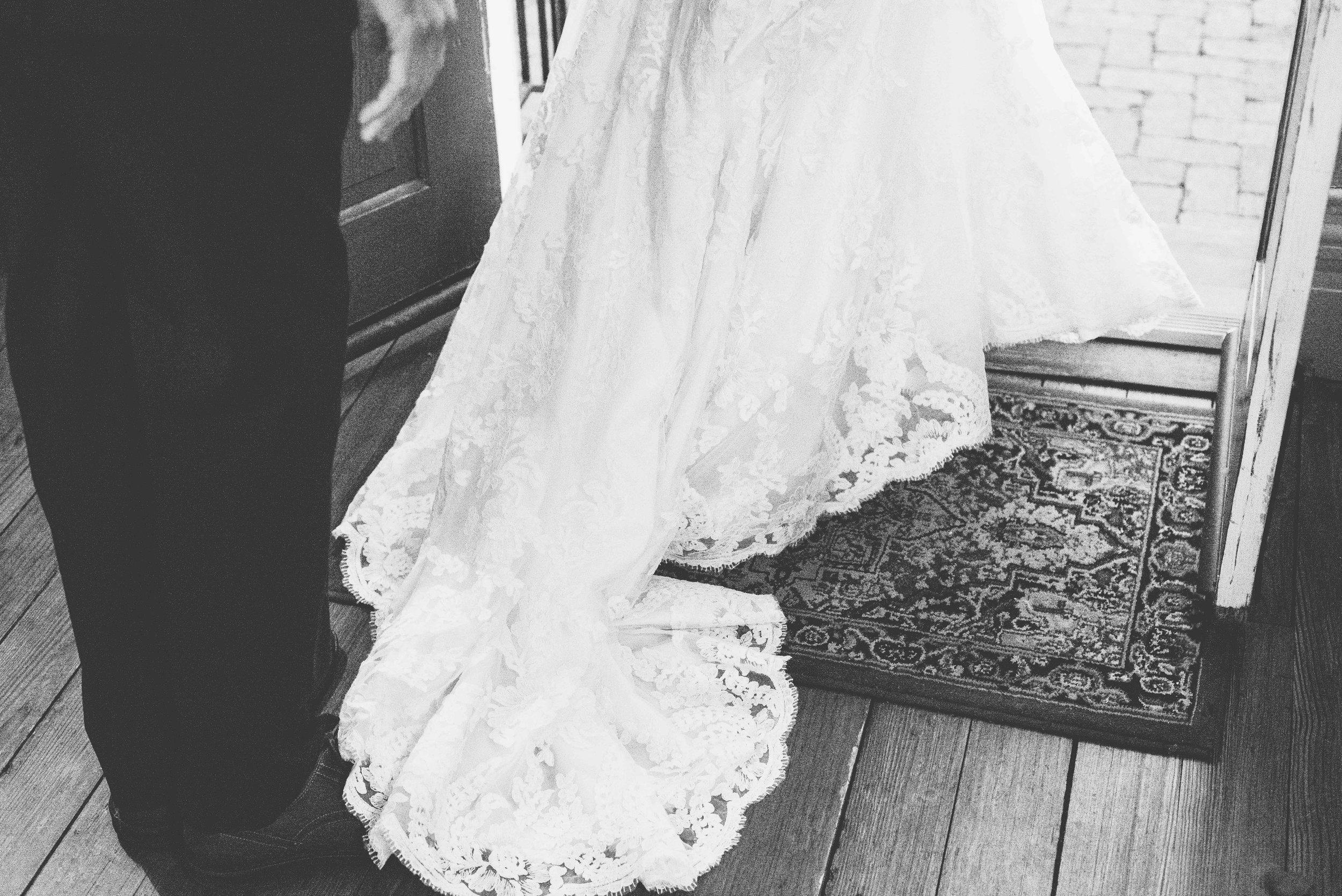 WEDDING JOLLEYS HAND-1.jpg