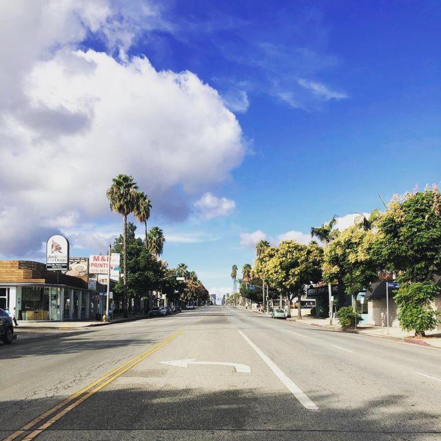 Ventura Blvd on Thanksgiving Day. Thankful for the rain last night. #venturablvd #CA #thanksgiving