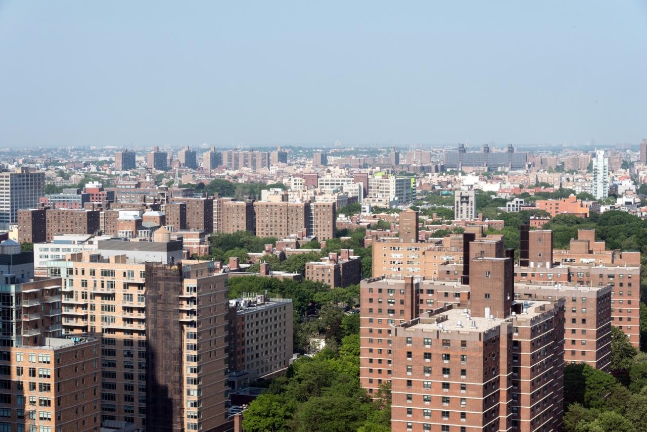 Looking eastward from Brooklyn.