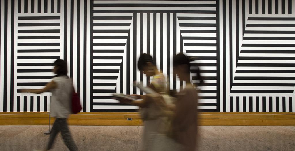 Sol Lewitt's  Wall Drawing #370  at The Met, NYC