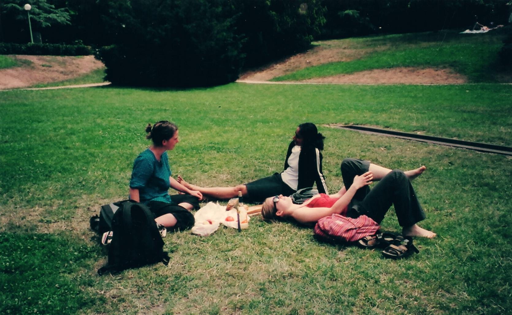 A wonderful lazy day with friends in the  Parc de la Tête d'Or  in Lyon.