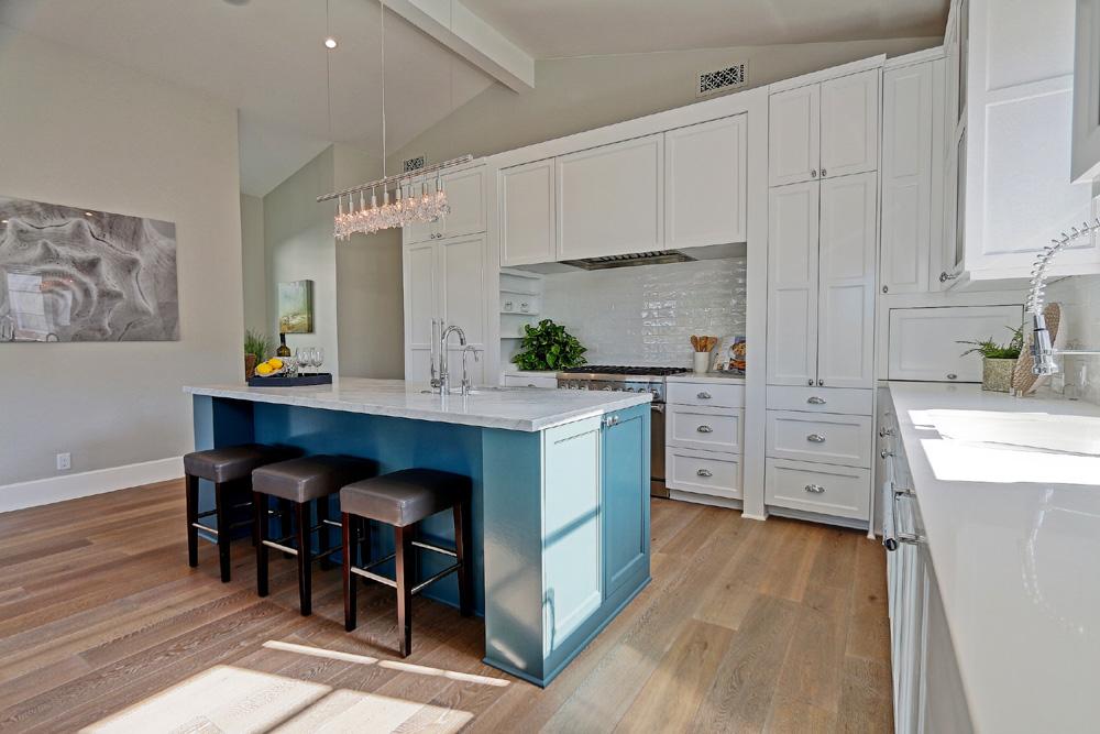 Caskey-544-Marine_kitchen4.jpg