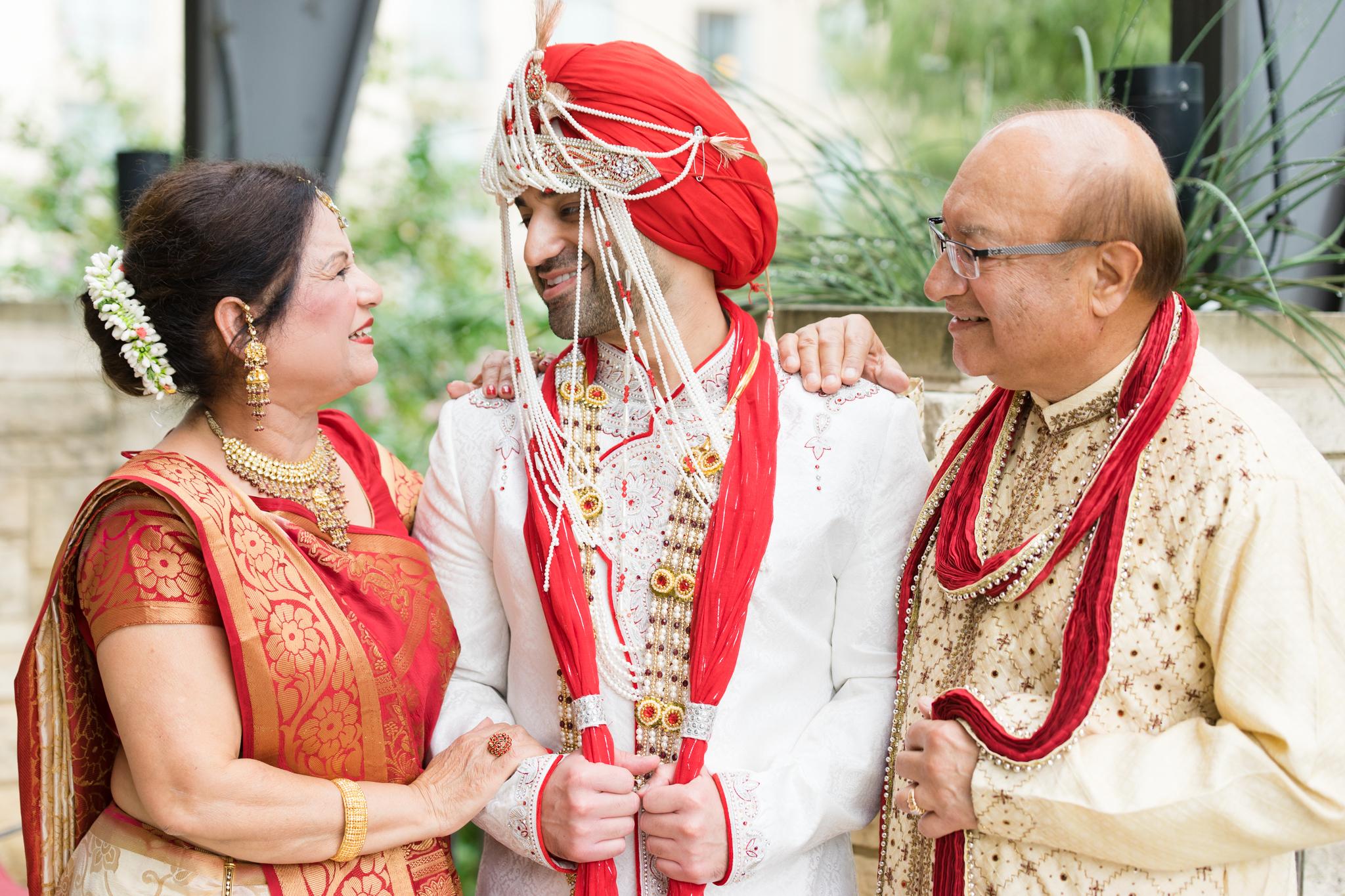ReeyaAman-Wedding-Photography-www.MnMfoto.comMnMfoto-Krishna-Sajan-869.jpg
