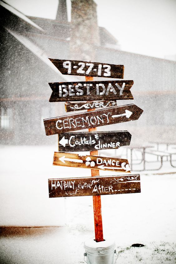 Winter-Rustic-Wedding-Sign.jpg