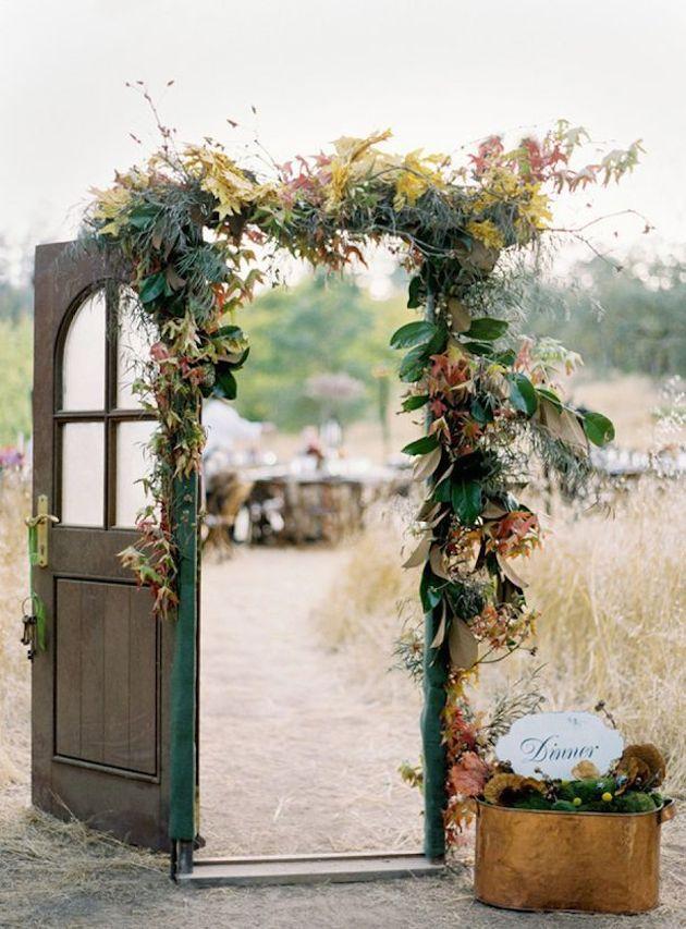 15-Leaf-Ideas-for-Fall-Weddings-Bridal-Musings-Wedding-Blog-71.jpg