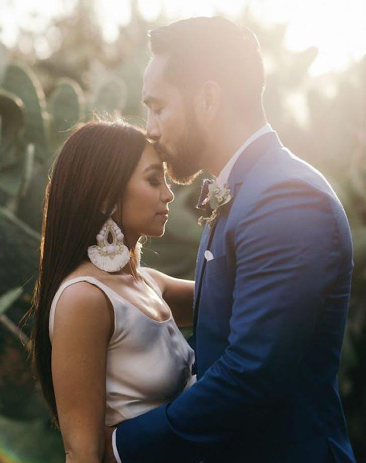 wedding_trend_2018_statementearring.jpg