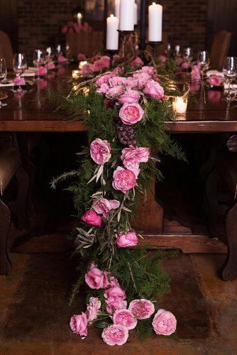 wedding-trends-2019-low-flower-pink-roses-and-dark-greenery-tablerunner-djamelphotography-334x500.jpg