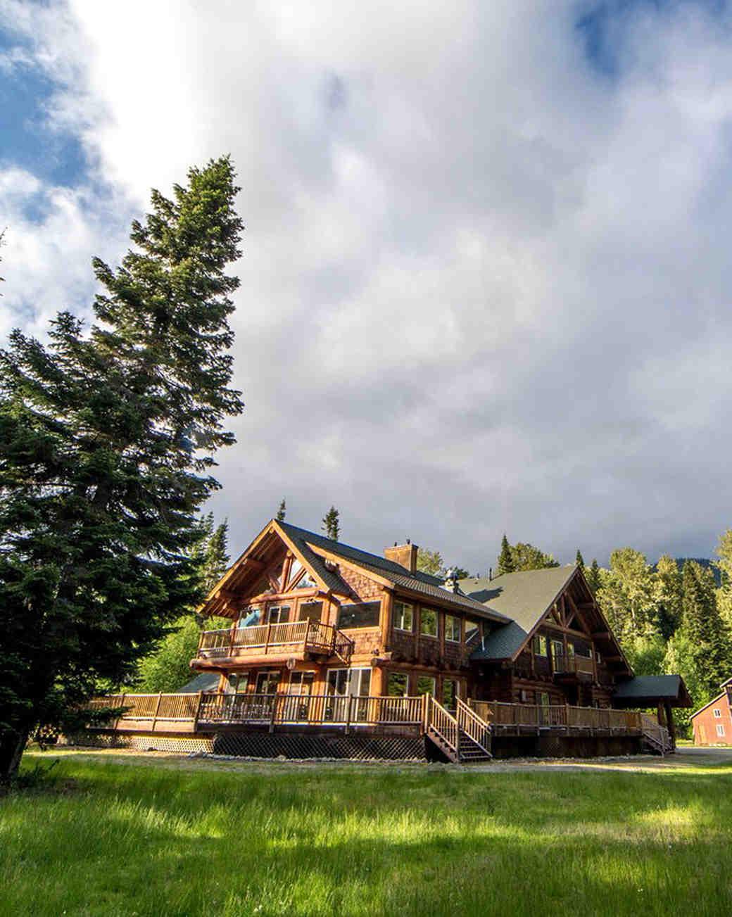 airbnb-wedding-venues-easton-washington-1218_vert.jpg