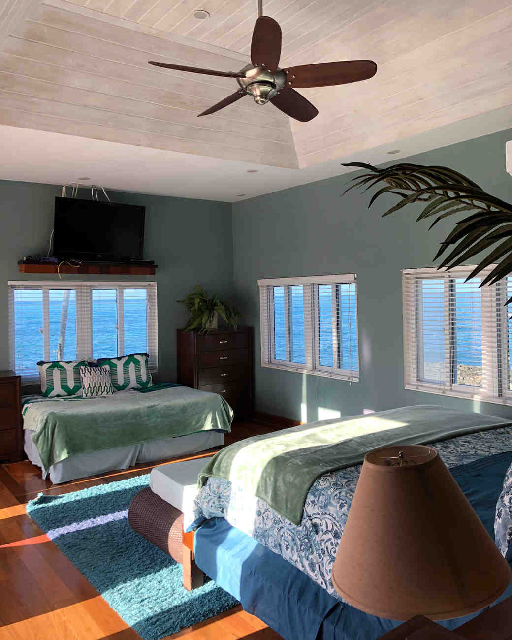 airbnb-wedding-venues-nassau-bahamas-1218_vert.jpg