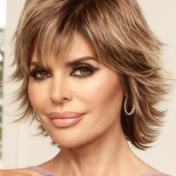 Winner: Shade - Lisa Rinna, Real Housewives of Beverly HillsThe Queen of stirring the pot! She tries to act innocent and helpful but she's actually a puppeteer pulling the strings in Beverly Hills. Let's not forget who started up shit about Puppygate in the Bahamas. Yup, we have her to blame for that one.