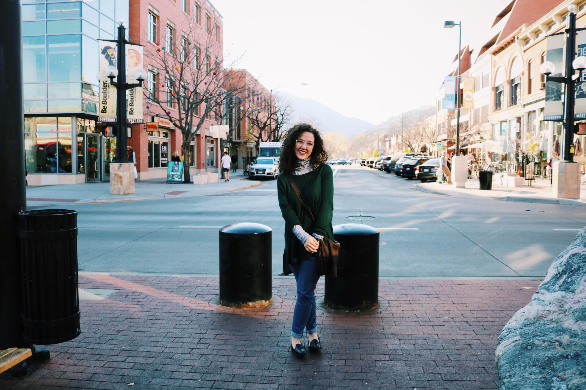 Katie hails from the city of Cincinnati, OH! She is the full-time business owner of Hosanna Revival, a hand-painted Bible company that has now become so much more!