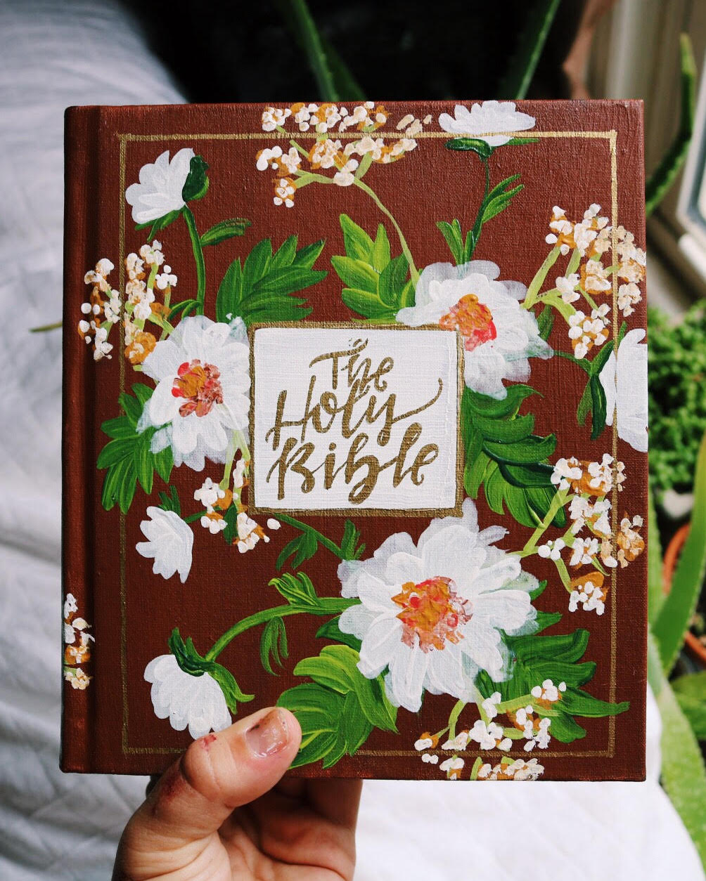 Another beautiful Bible hand-painted by Katie of Hosanna Revival!