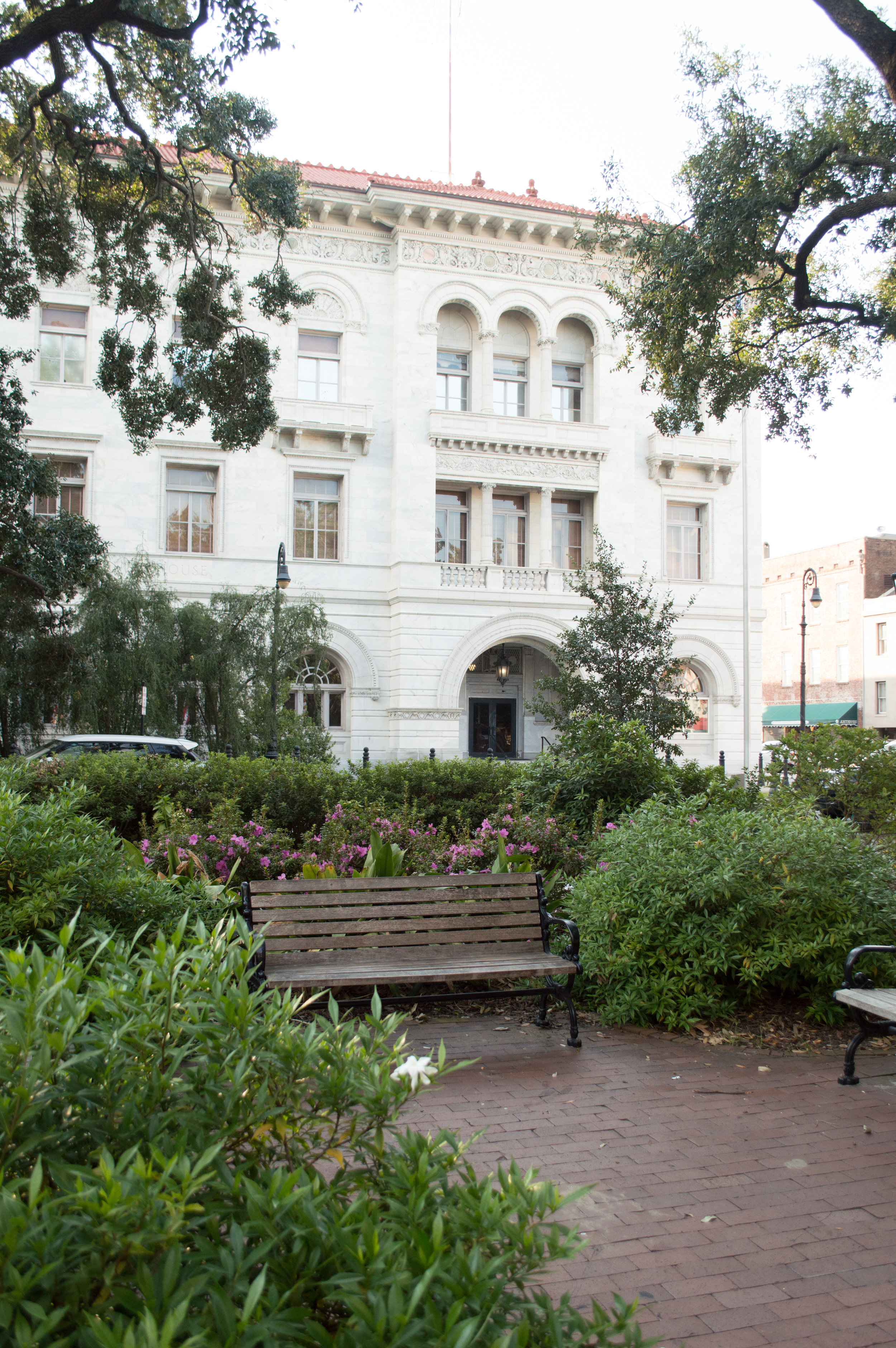 Savannah, GA is home to several different parks, each one of them unique and beautiful in its own way. We loved touring the city and walking around through all of them!