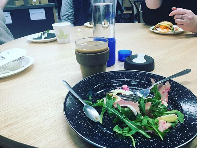 If you're going to a conference, workshop, symposium or weekend camp it's hard to know if there'll be single-use items for catering. To avoid the surprise waste chuck a lightweight plate (this is an enamel camping plate) and some cutlery in your bag. It's usually fairly easy to find somewhere to give it a quick rinse after lunch. As much as I felt like a total dork about four people walked up to me and said 'omg that's a great idea, I'm going to bring a plate tomorrow' 🍴🍽🥄☕️