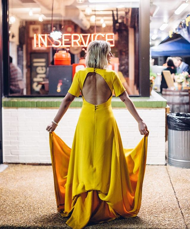 Yasss yellow!! . . #chicagoelopementphotographer #chicagoweddingphotographer #elope #chicagobride #chicagophotographer