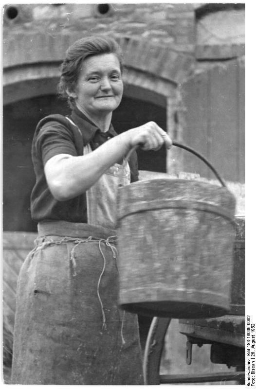 Photo from Wikimedia Commons, Bundesarchiv, Bild 183-16039-0002 / CC-BY-SA 3.0