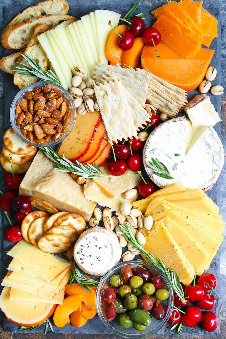 How-to-Make-an-Easy-Cheese-Board-in-10-MinutesIMG_0257edit.jpg