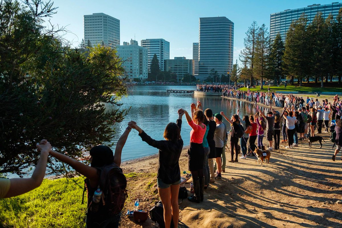 Nov 13, 2016 Hands Across Lake Merritt