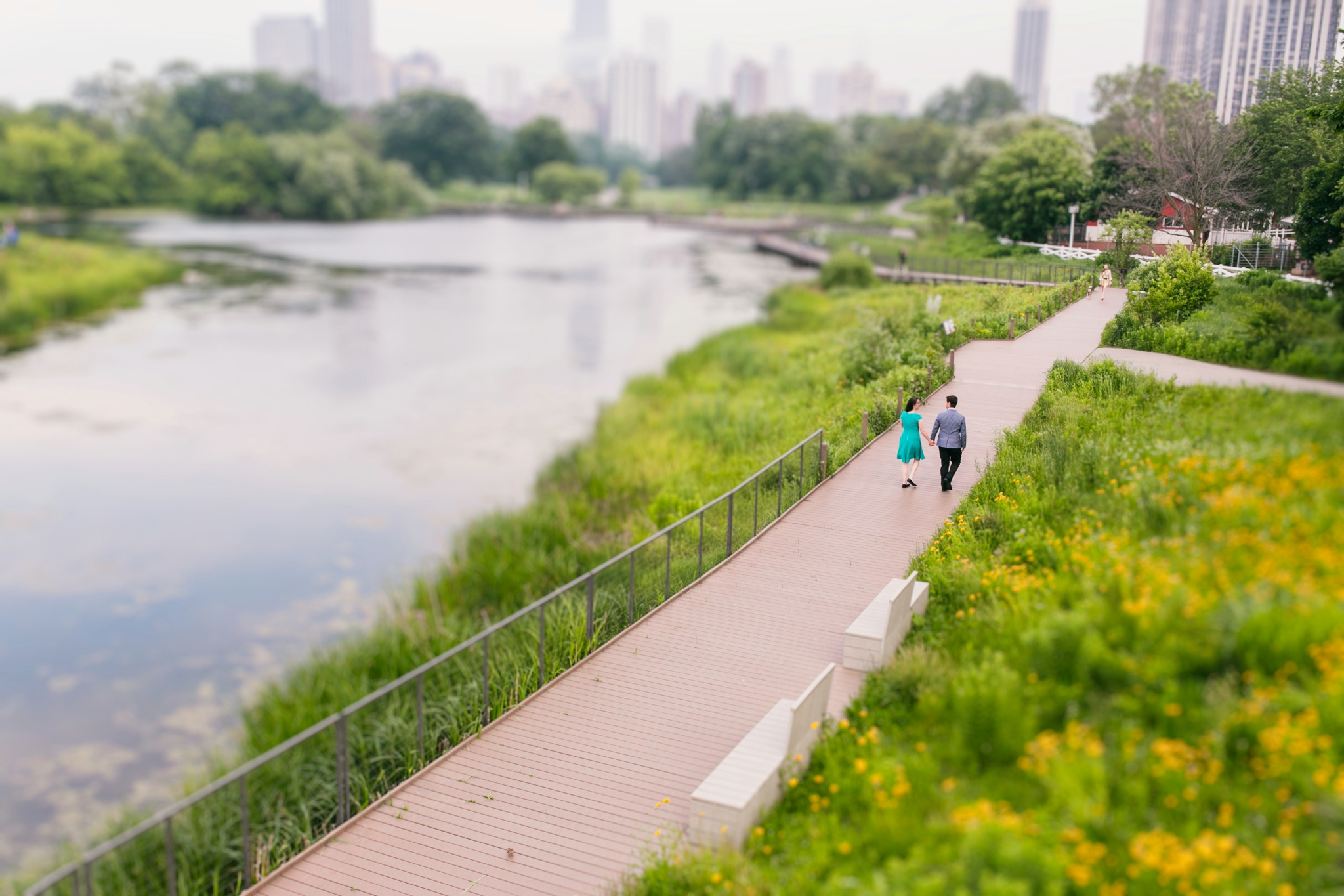 Lincoln_Park_Engagement_Photography-013.jpg