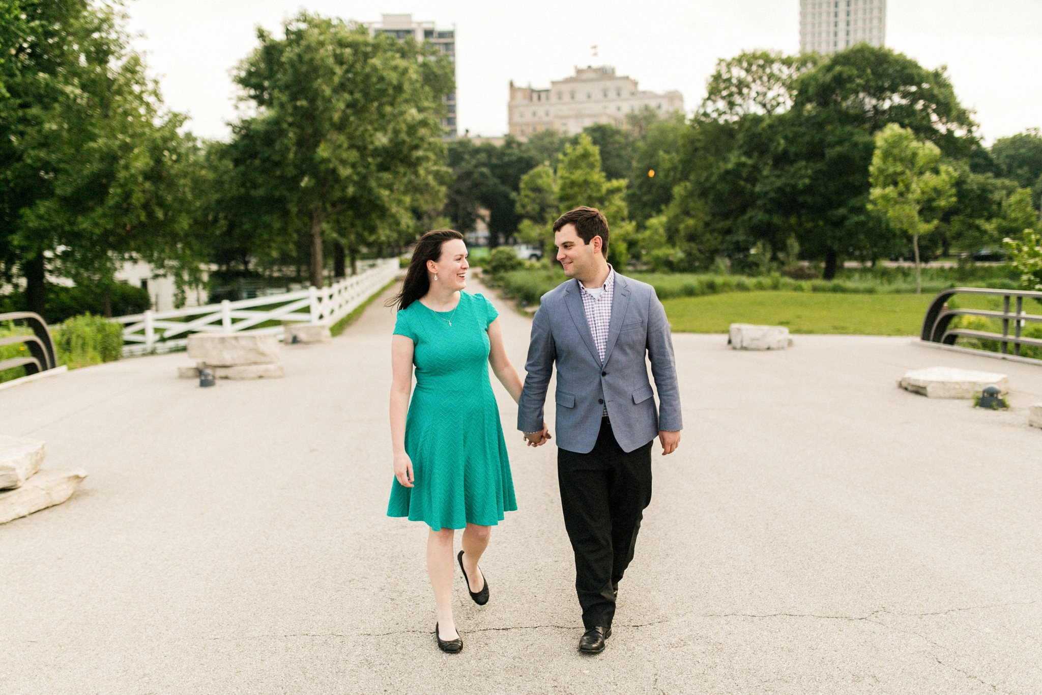 Lincoln_Park_Engagement_Photography-017.jpg