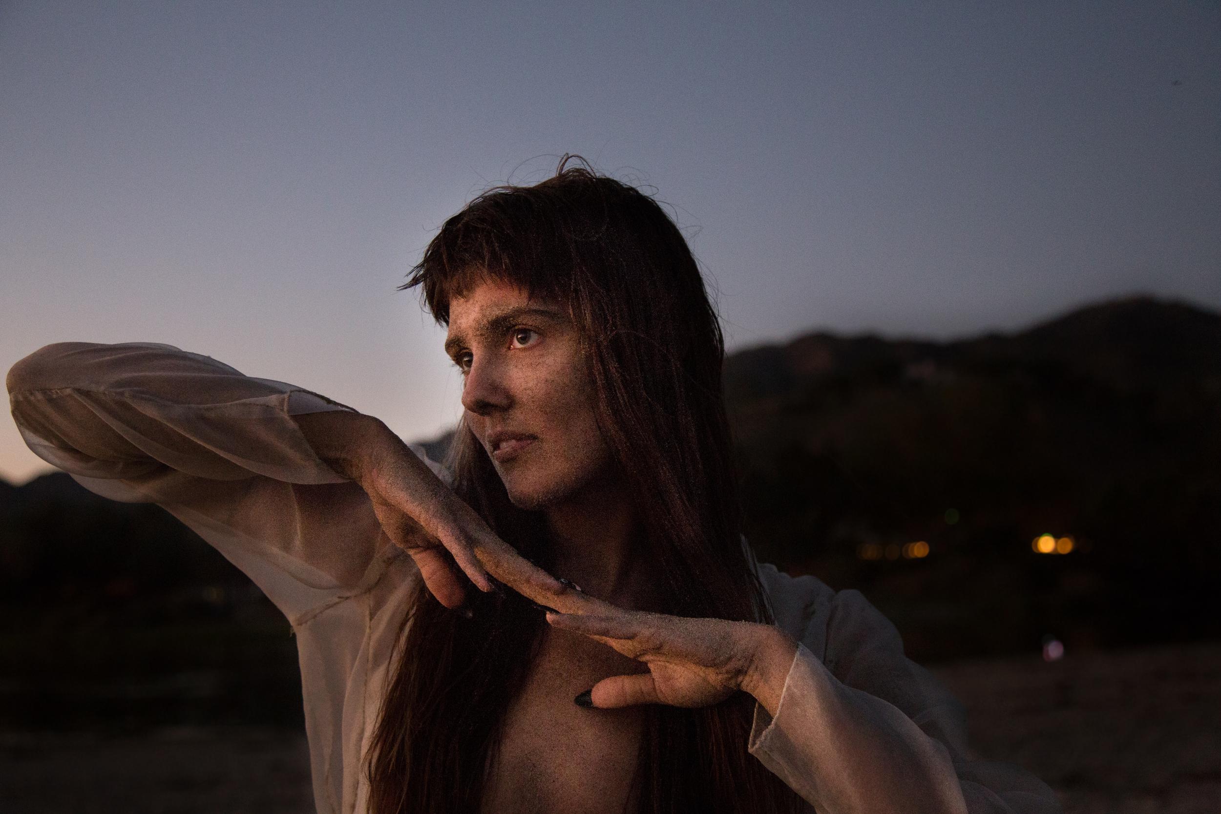 Tiffany (hands), Malibu, 2016