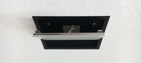 Airelight Square 4.0 Magnetically Attached to Trim Kit