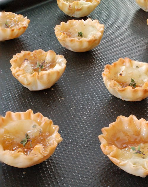 Fig and Herbed Brie Cups Recipe