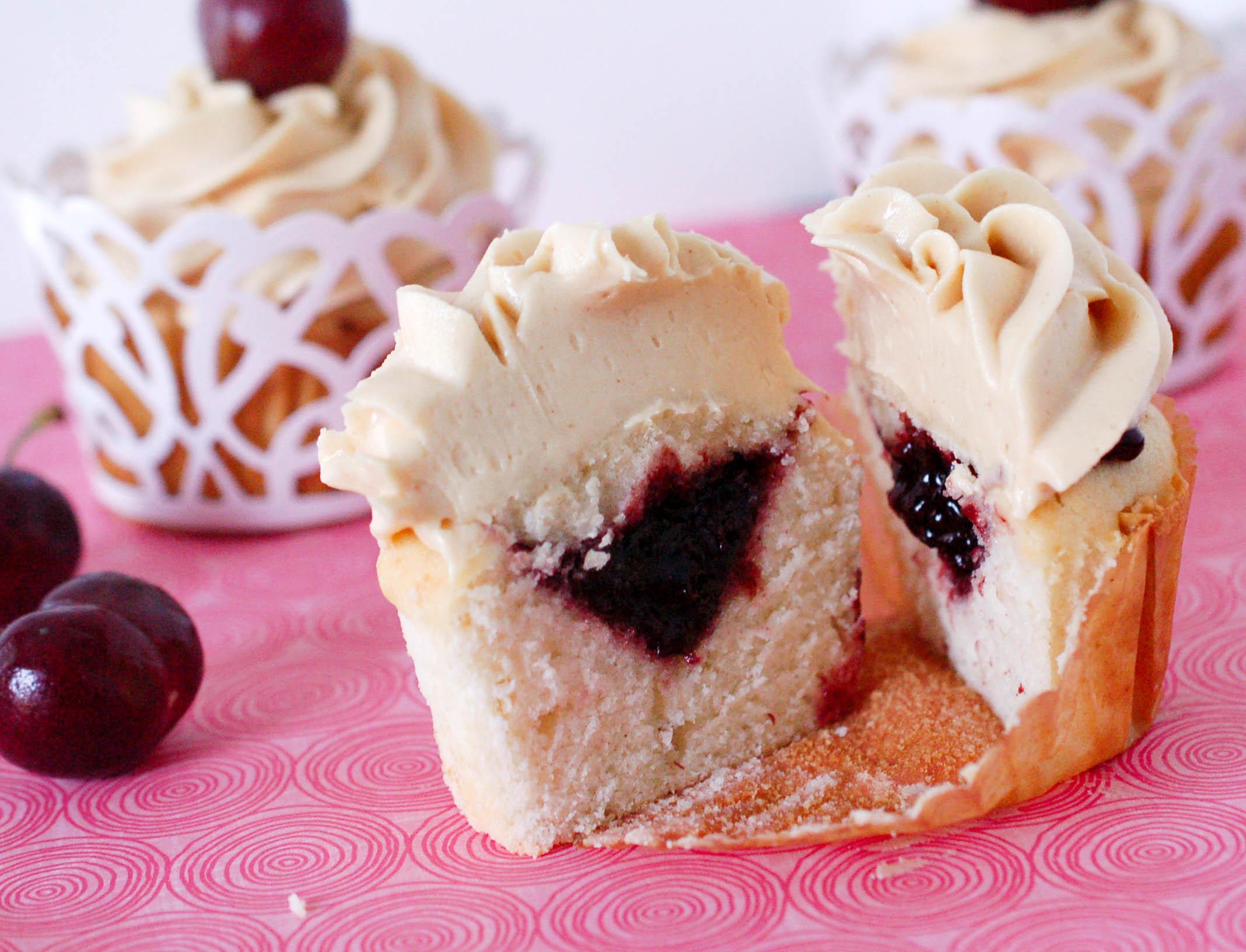 pb & j cupcakes5 (1 of 1).jpg
