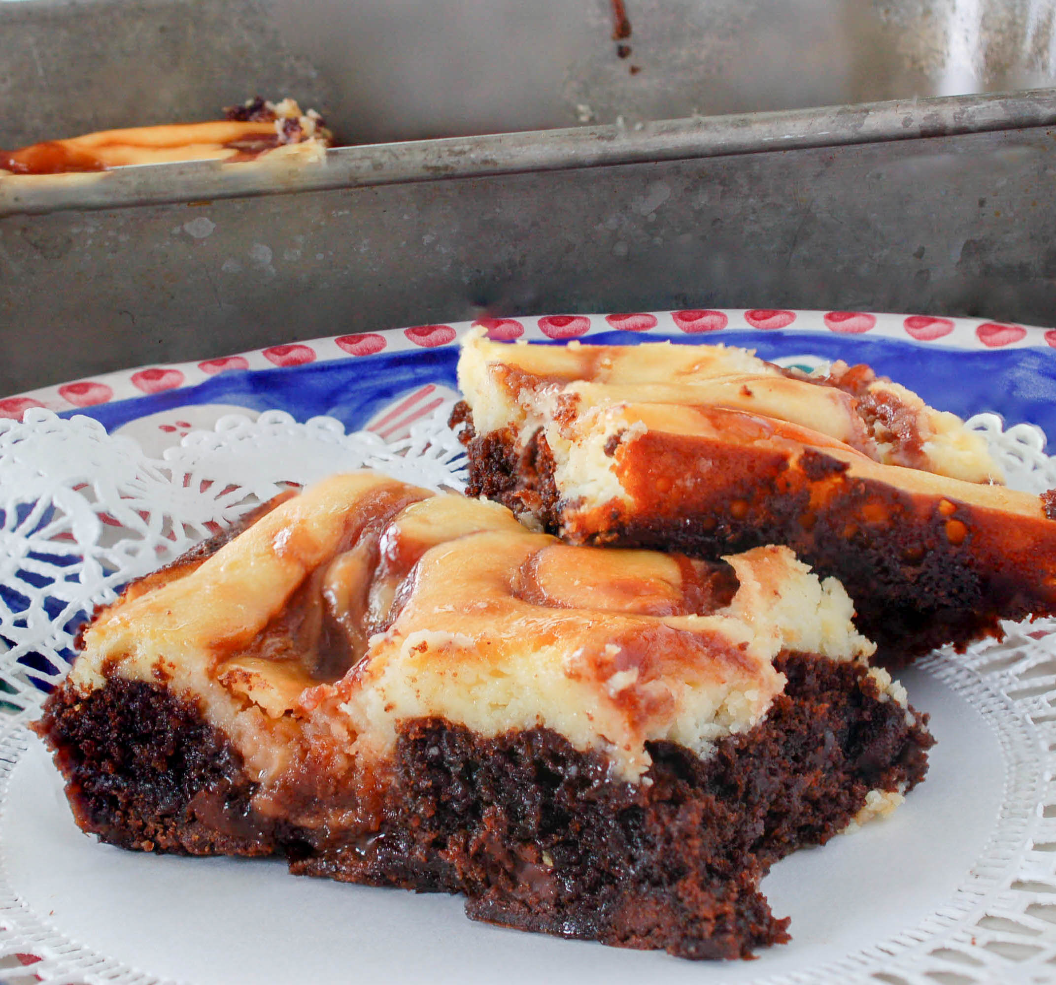 swirled cheesecake brownie3 (1 of 1).jpg