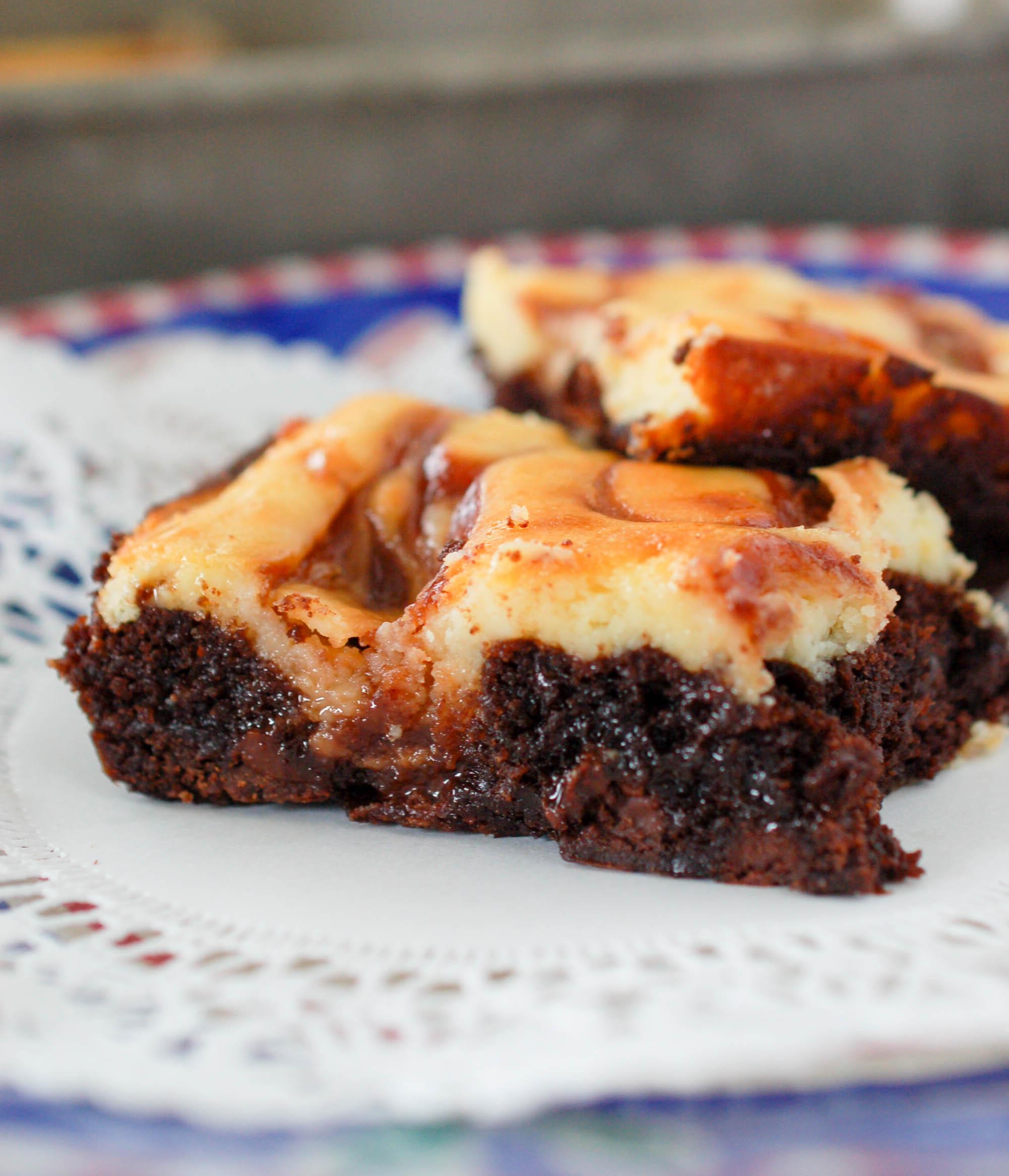 swirled cheesecake brownie (1 of 1).jpg