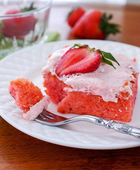 starwberry cake2.jpg