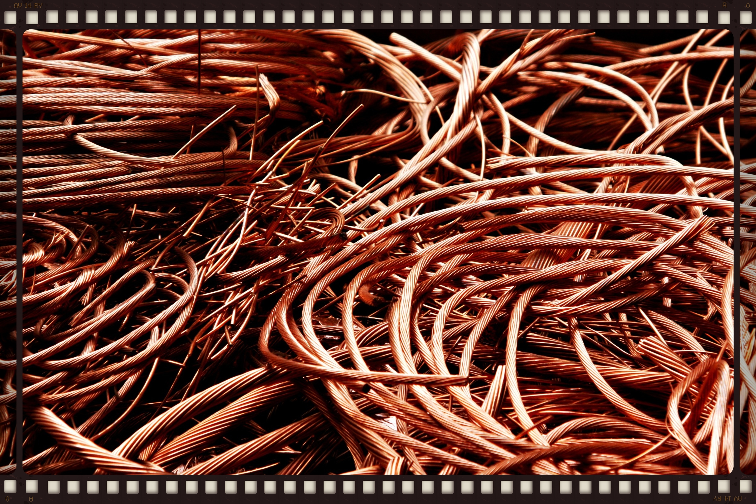 sgplumbingandgasservices_co_uk_copper_pipes_Fotolia_58473601_M_cropped.jpg