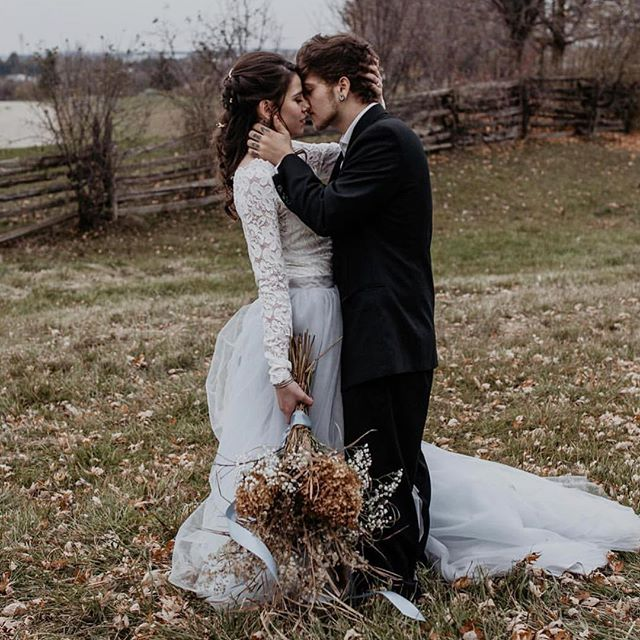 One more from our stylized shoot featured on @unconventional_wedding  Concept & Florals @wild_honeyweddings  Photo: @amytaylorphotography12  Makeup and Hair: @sarahlambeauty  Stationary: @redbicyclepaperco  Jewelry: @thevaultmilton  Model: @brittneyyleannee  Video: @photographybyshivani  Blog: http:/unconventionalwedding.co.uk/a-rustic-winter-wedding/ sarahlambeauty