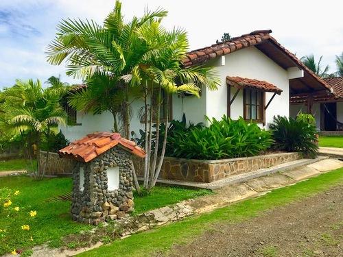 Santa+Catalina+Surf+Yoga+Wellness+Retreat+Panama.jpg