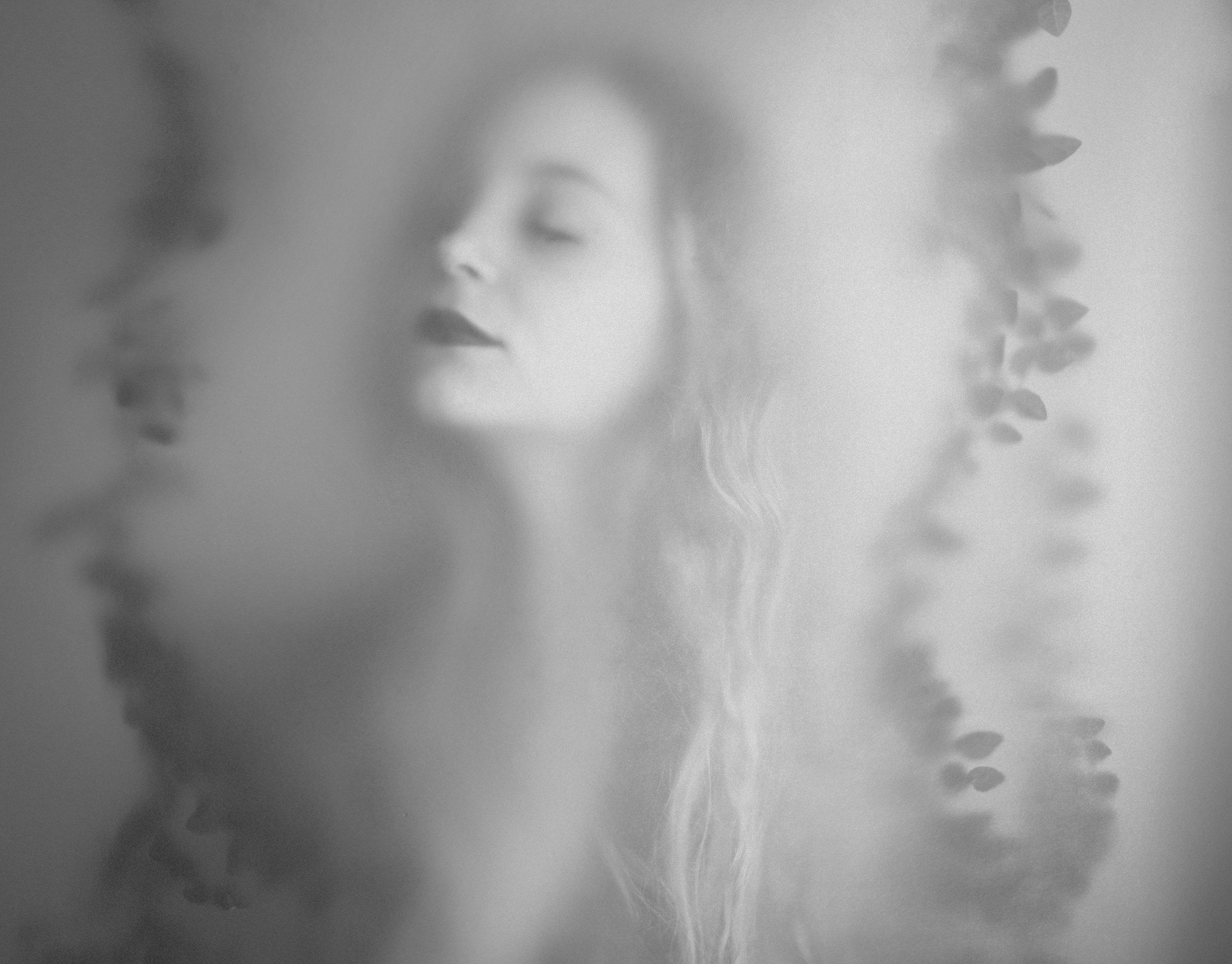 Sara-Correia-B&W-portrait-photographer-Lea_0171.jpg