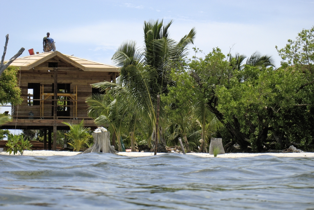 Driftwood Lodge, Caye Caulker, Belize  - 035