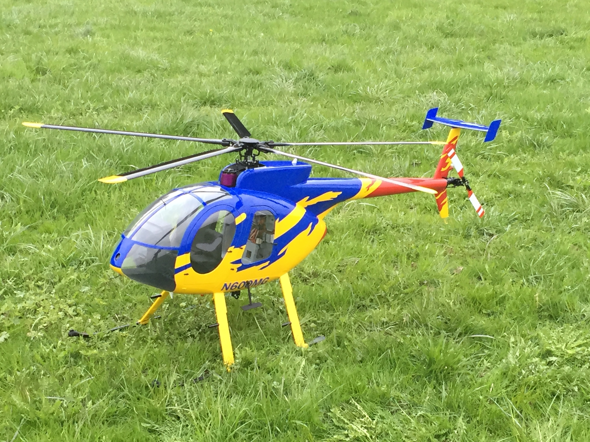Helicopters (size 800) / Helikopter (Grösse 800) — RC HELI SCALE