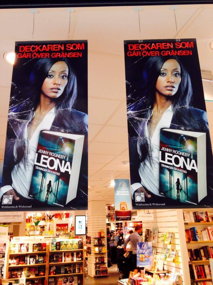 Leona i butik1.jpg