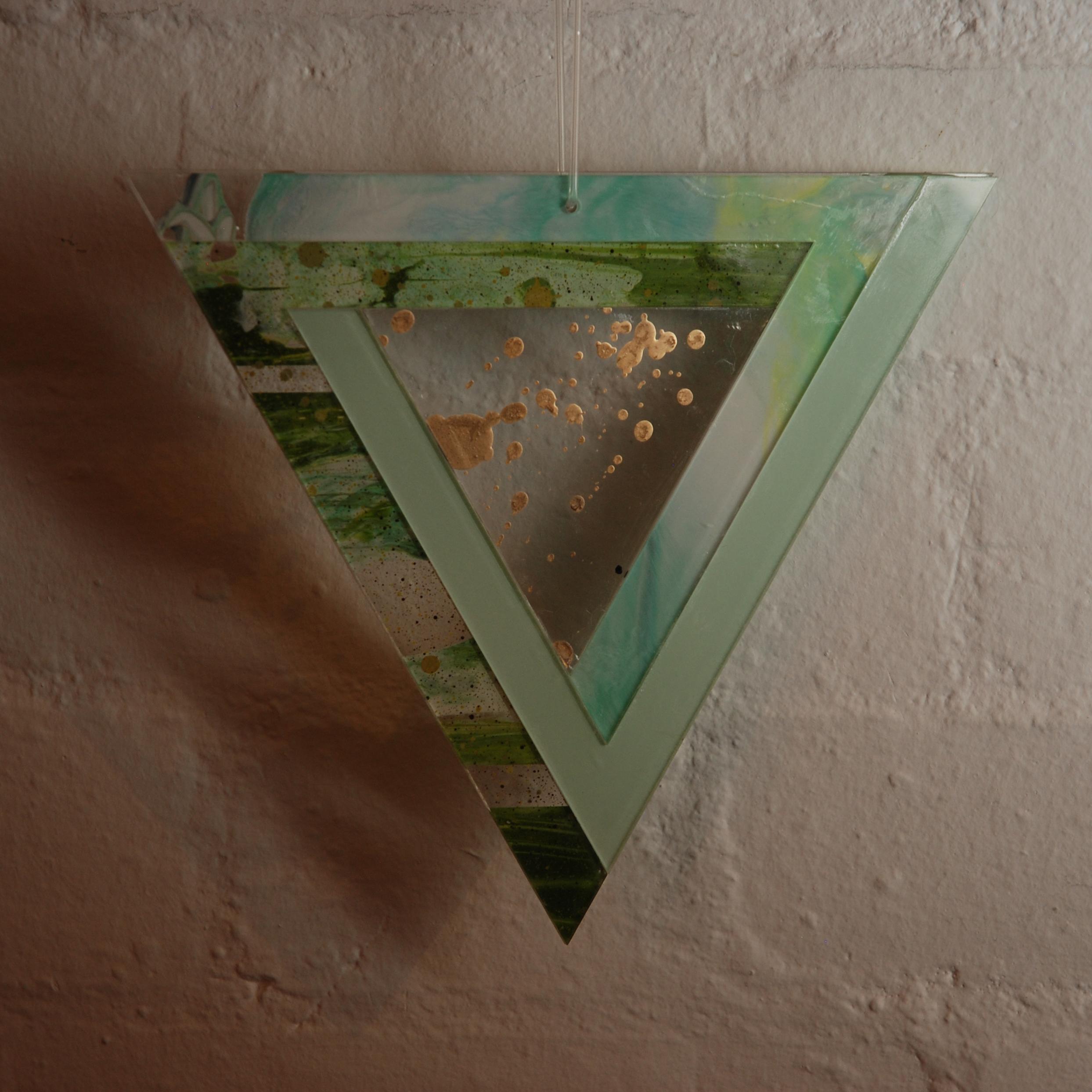 perspex triangle 1.jpg