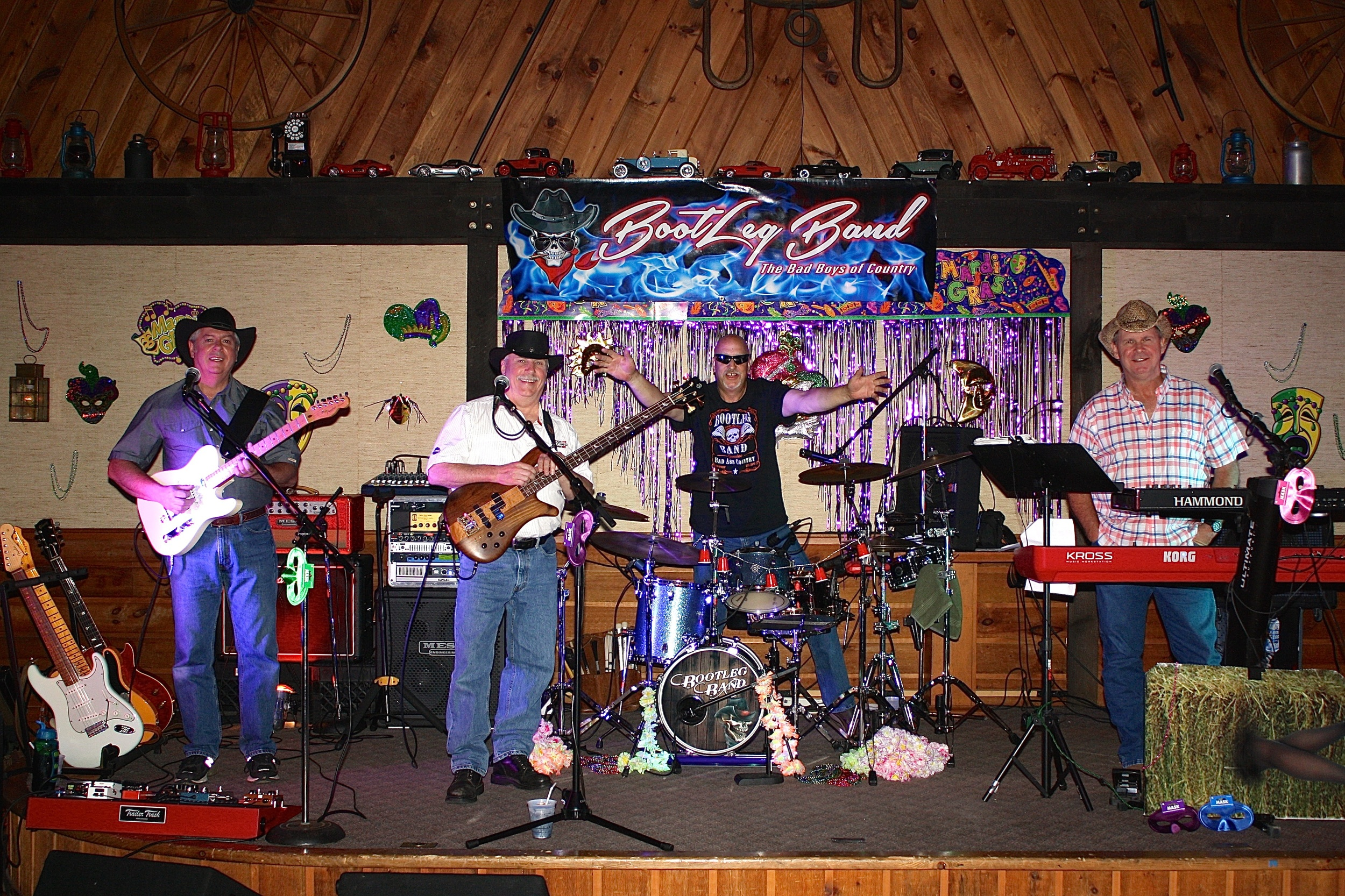 live bands every saturday night