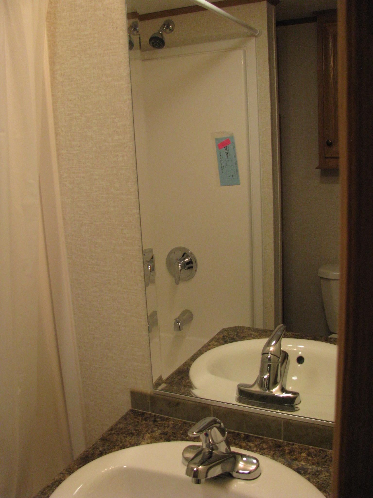 bathroom in skyline trailer