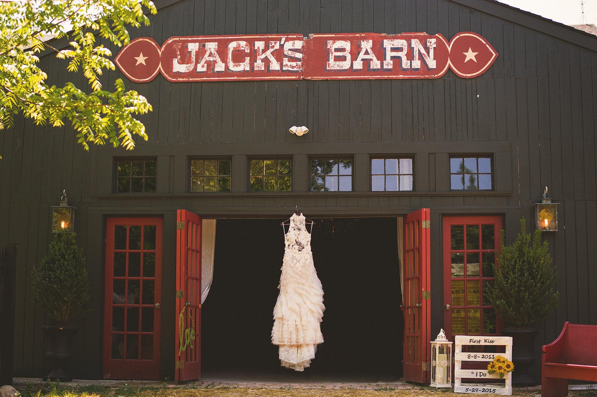 04-jacks-barn-wedding.jpg