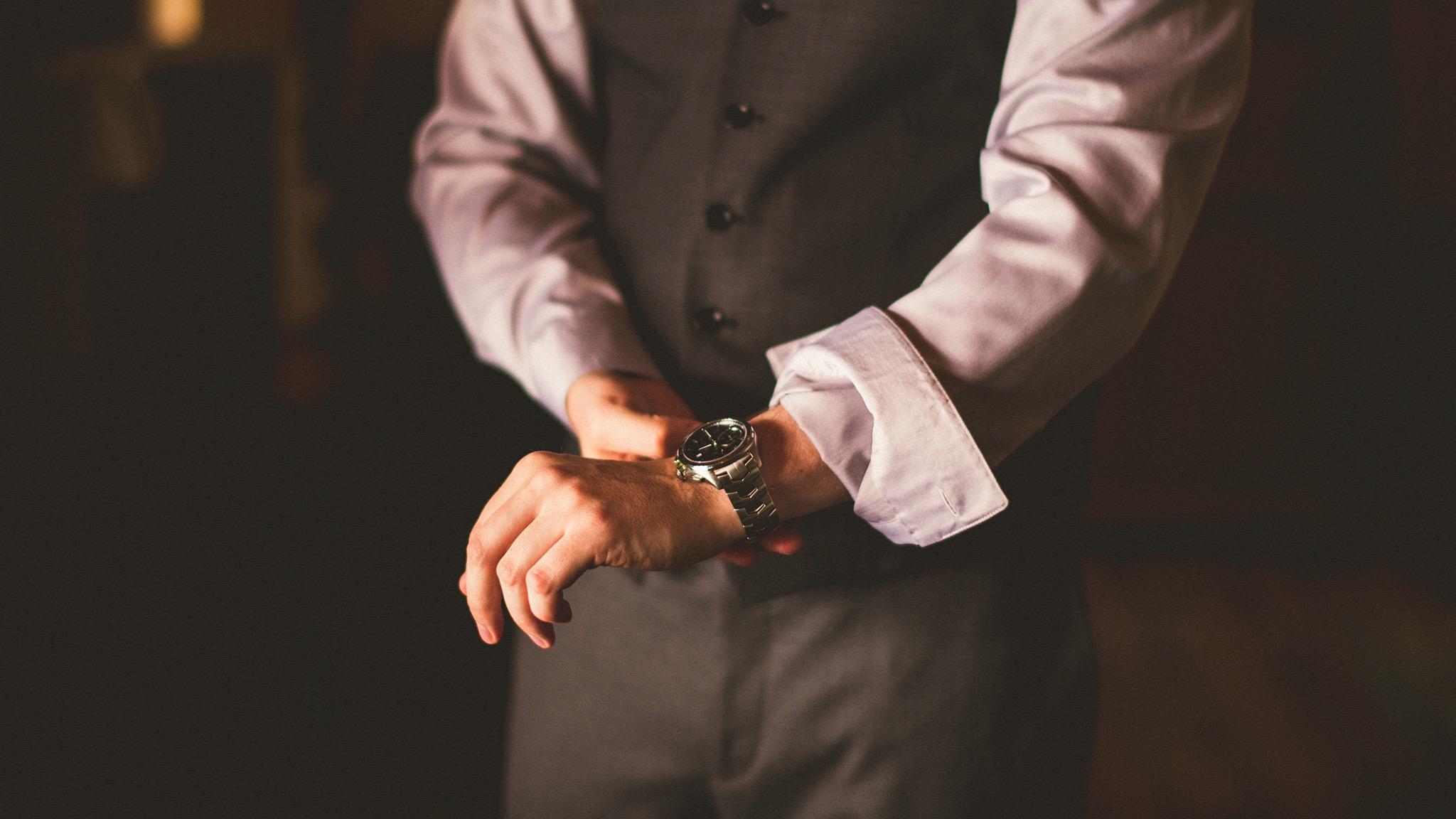 22-rustic-groom-watch.jpg