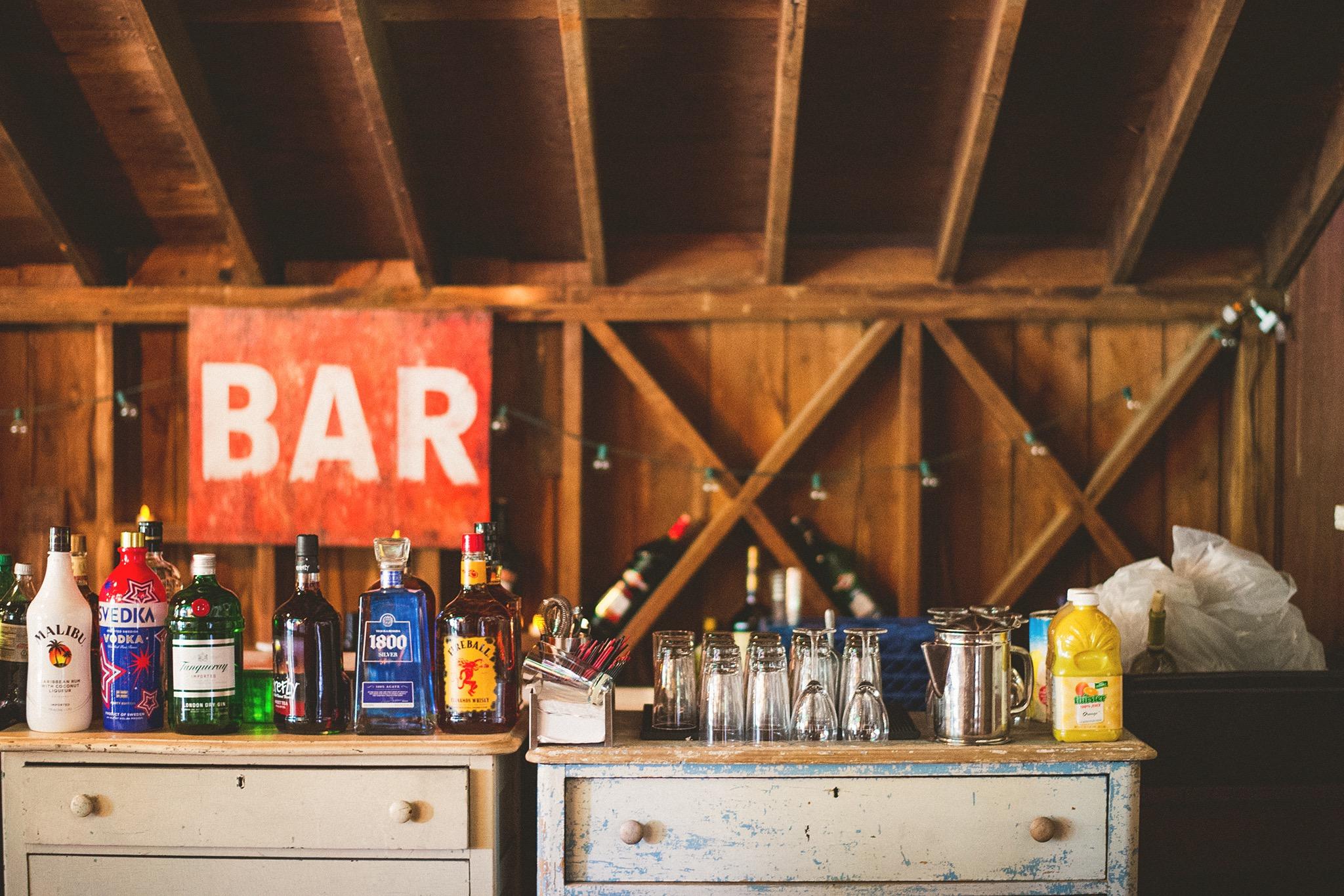 77-jacks-barn-bar.jpg