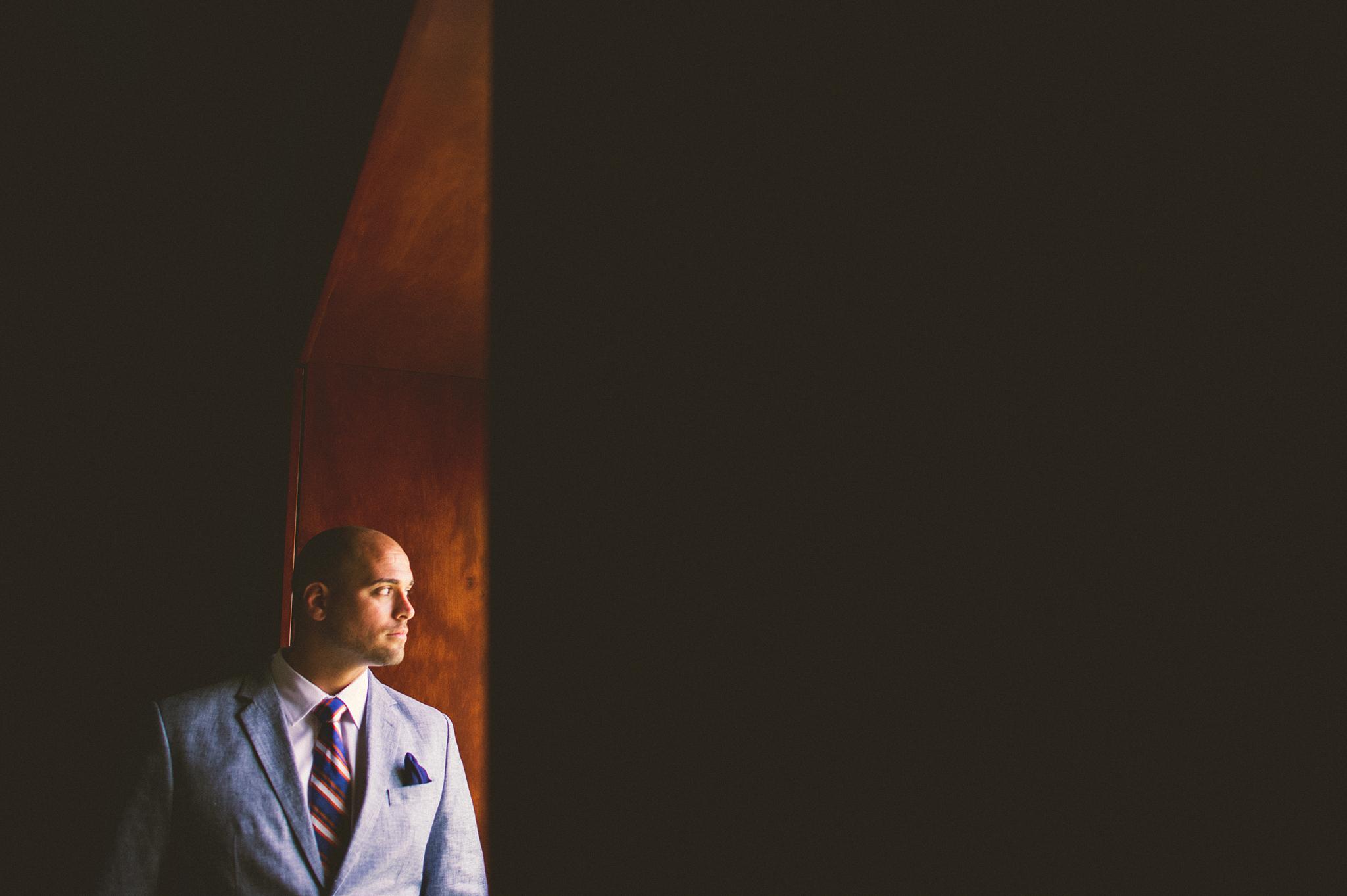 03-groom-portraits.jpg