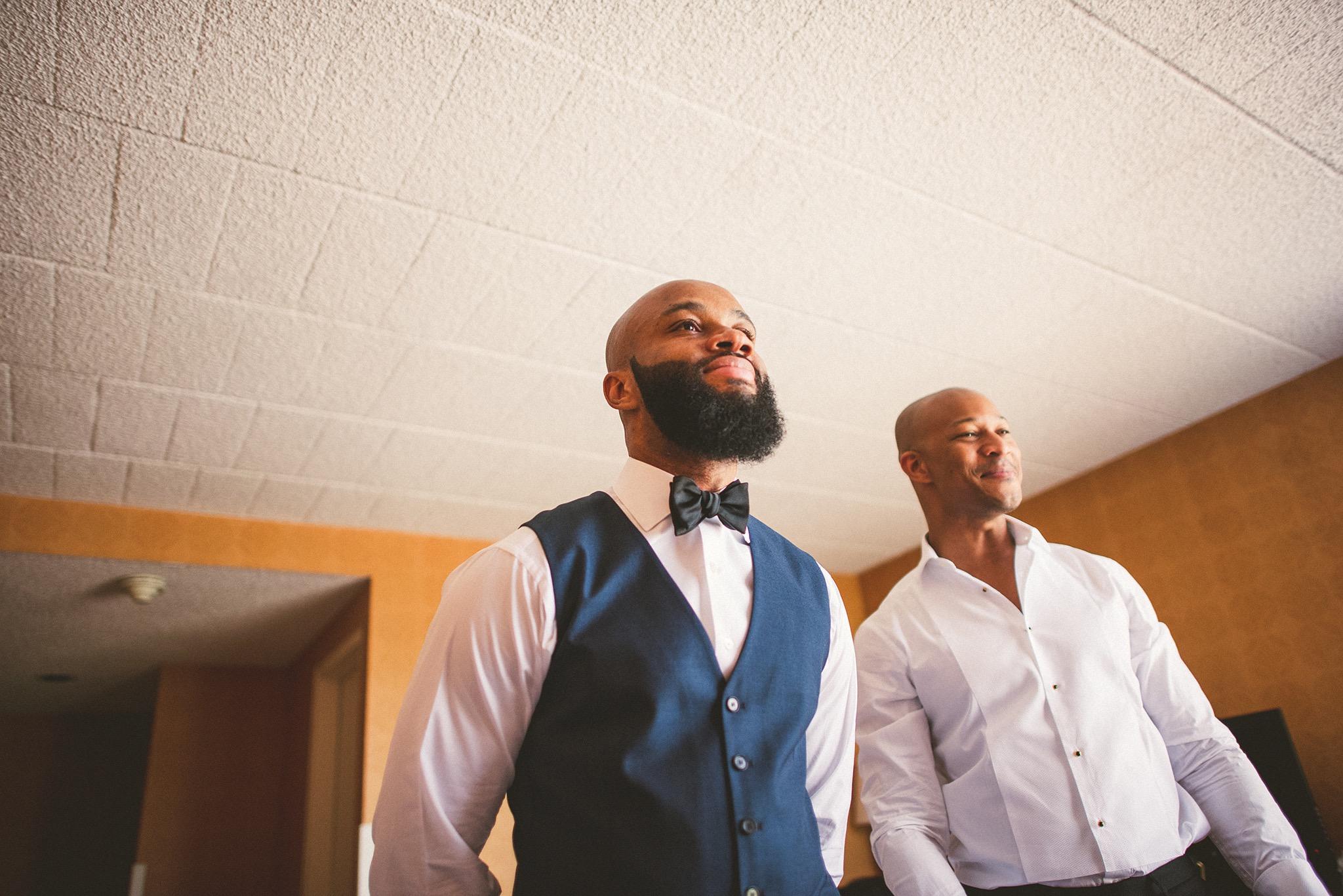 08-groom-and-bestman.jpg