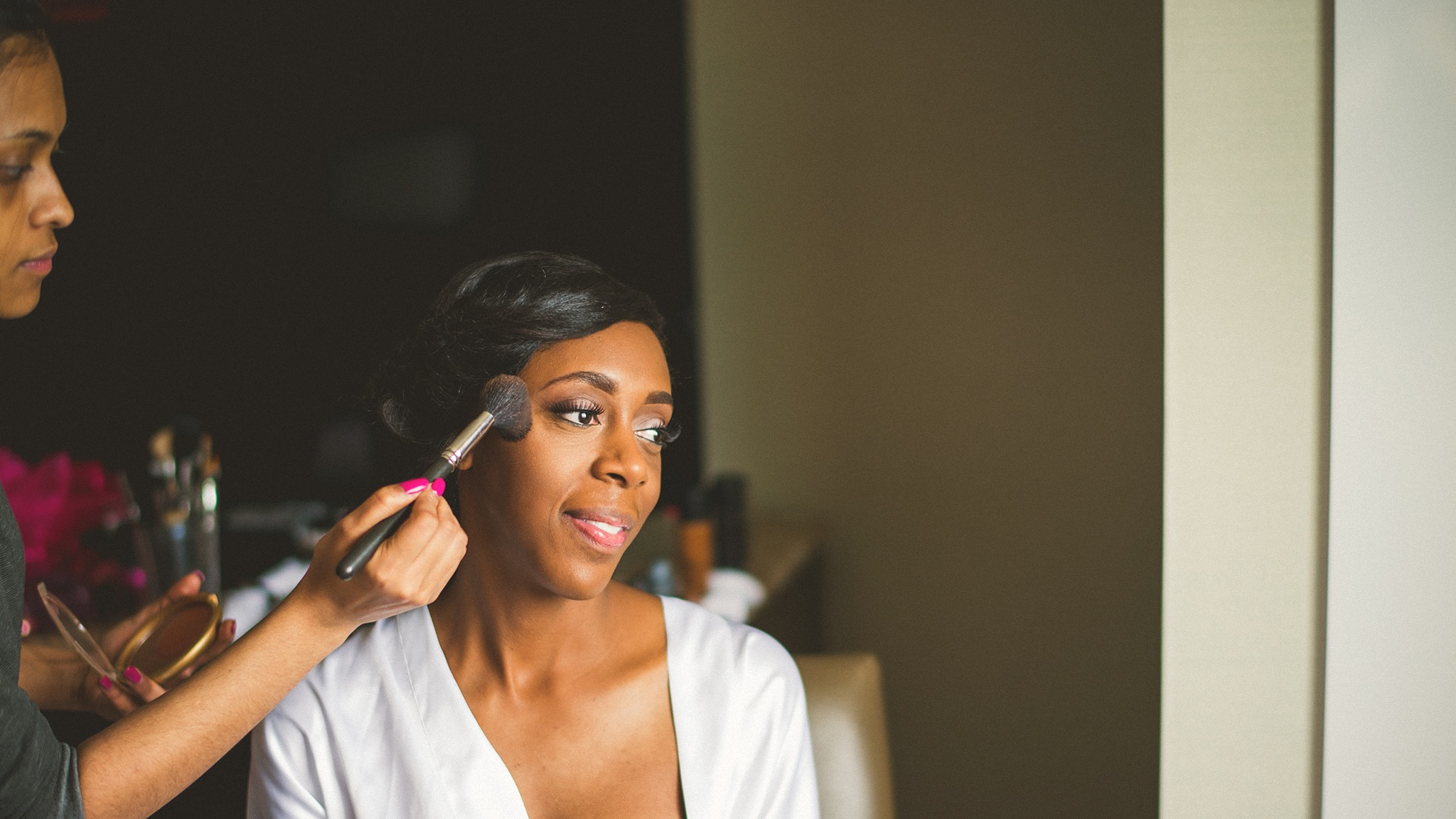 20-makeup-artist-and-bride.jpg